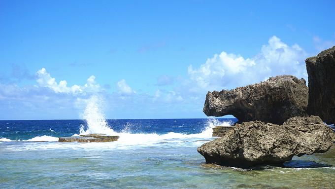 第二站:鳄鱼头滩 鳄鱼头海滩位于塞班岛的北部,因形似鳄鱼而得名