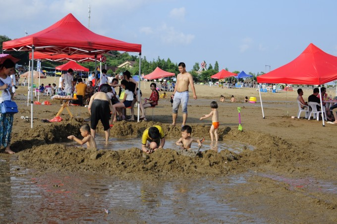 宁波北仑洋沙山风景区------踩海泥,观涨潮,和烧烤.