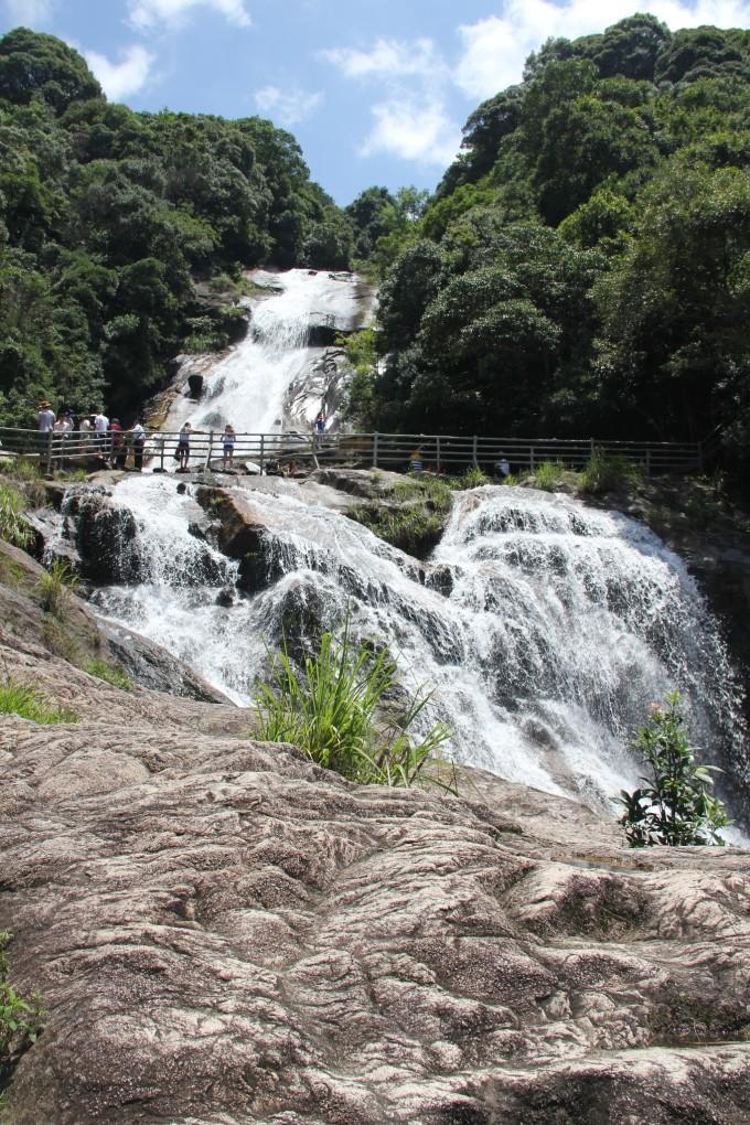 壁纸 风景 旅游 瀑布 山水 桌面 680_1020 竖版 竖屏 手机