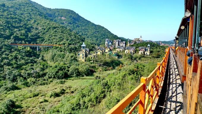 深圳茶溪谷乘坐森林小火车