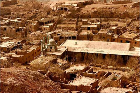 新疆吐鲁番-吐峪沟大峡谷-鄯善库木塔格沙漠-五彩城